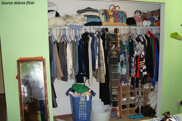 how to pack a walk-in closet for a move