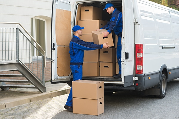 Things to know when hiring movers