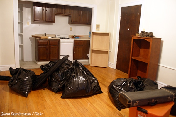 How to use trash bags when moving house